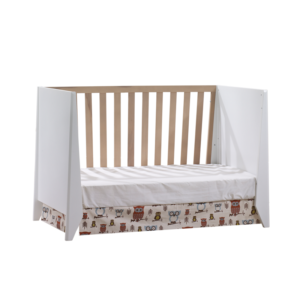 Flexx crib in white and natural oak wood as a daybed