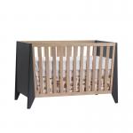 Flexx Graphite crib with natural oak wood